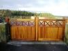 thumbs 16 Mediniai kiemo vartai – medžio masyvo kiemo vartai