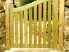thumbs 28 Mediniai kiemo vartai – medžio masyvo kiemo vartai