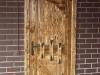 thumbs 7 Medinės durys su metalo ornamentais